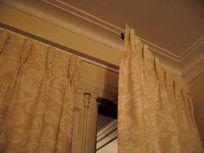 rideaux de portes les habits du logis 92. Black Bedroom Furniture Sets. Home Design Ideas