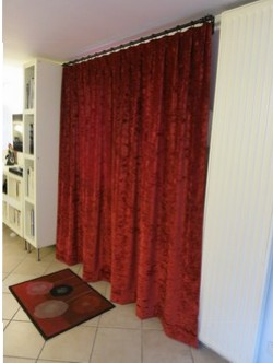 decoration-porte-rideau-velours-rouge250